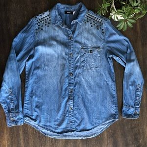 Urban outfitters- BDG Chambray studded shirt